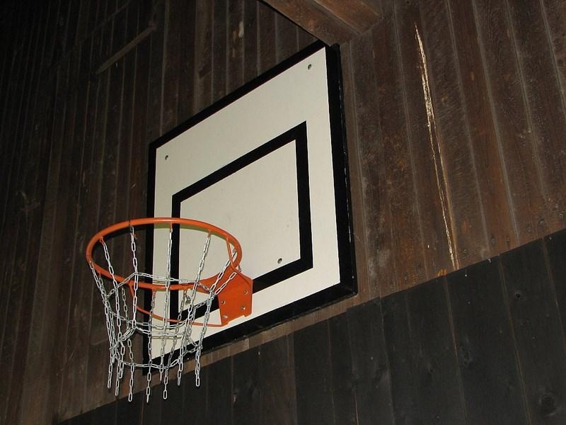 Bílé Poličany – chalupa Bílé Poličany – basketbalový koš
