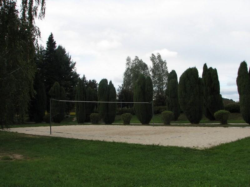 Bílé Poličany – lanžovské koupaliště, voleybalové hřiště