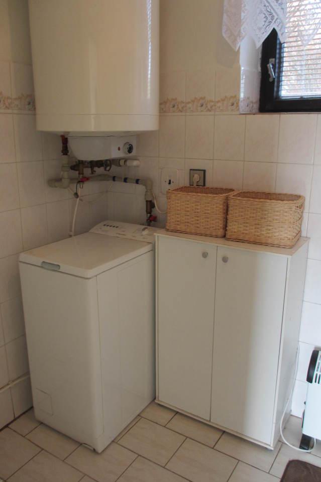Bílé Poličany – koupelna, pračka – prosinec 2014