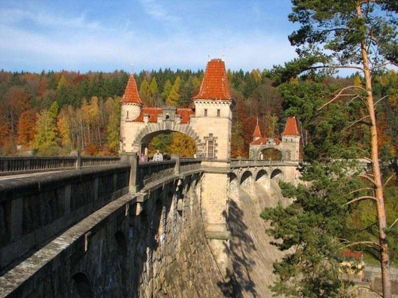 Turistika – Přehrada – Les Království