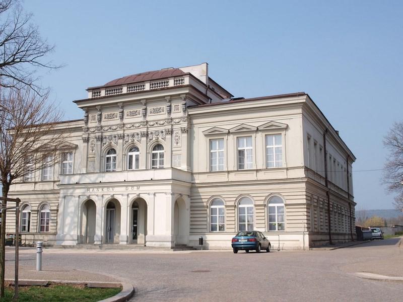 Turistika – Dvůr Králové nad Labem – Hankův dům
