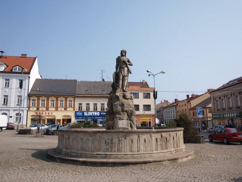 Turistika – Dvůr Králové nad Labem – kašna