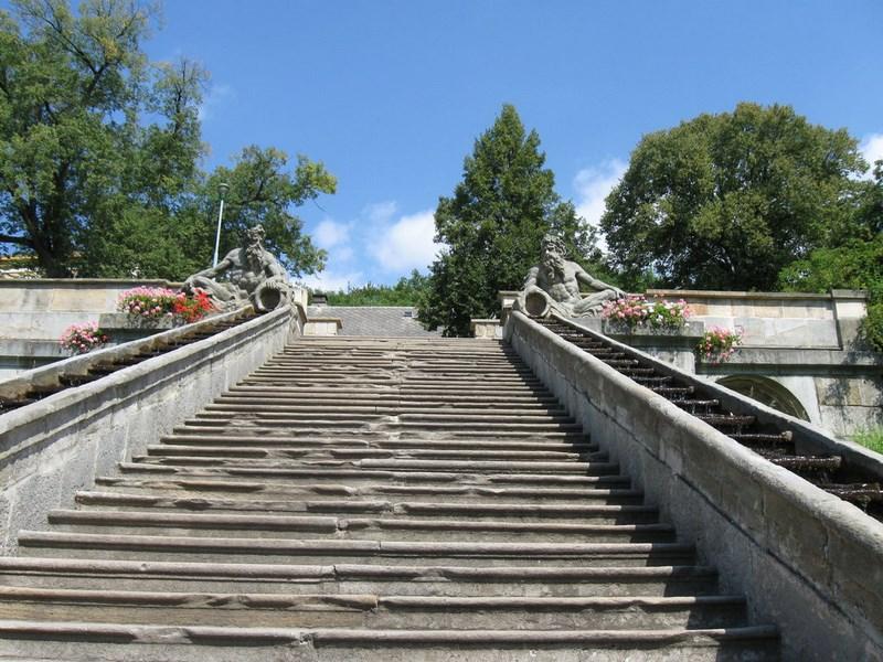 Turistika – Hospital Kuks – zámecké schody