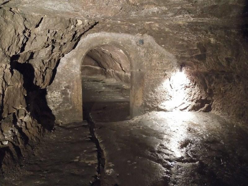 Turistika – Miletín – podzemní chodby