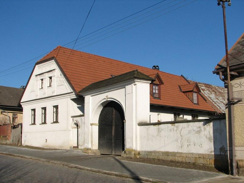 Velký Vřešťov – domek ve vesnici