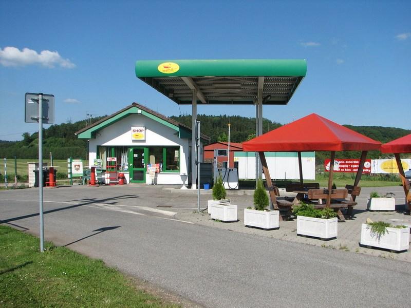 Velký Vřešťov – benzínová pumpa ve Velkém Vřešťově